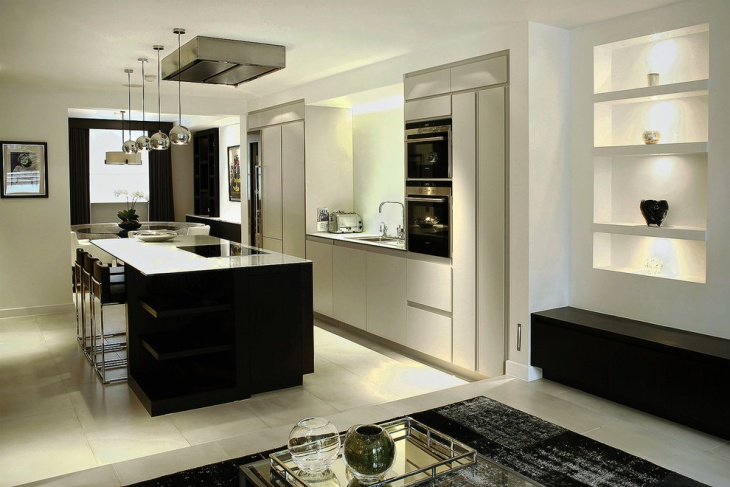 Traditional Monochrome Kitchen