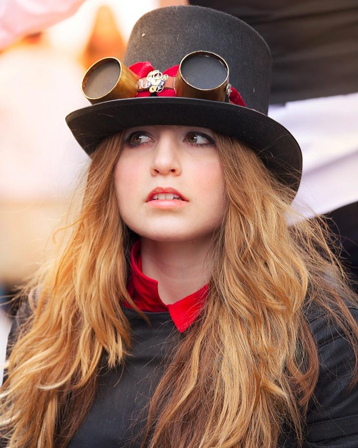 black fringe hat model