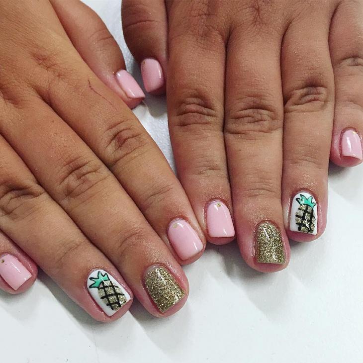 glitter pineapple nail art