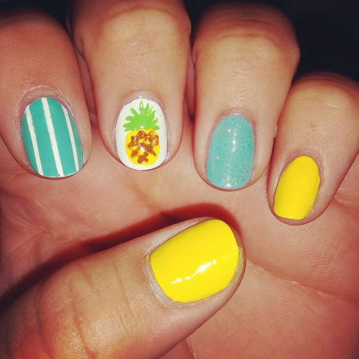 Strip Pineapple Nail Art