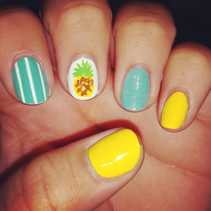 strip pineapple nail art