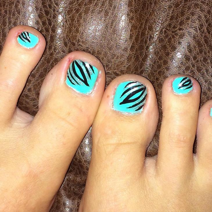Swirl Toe Nail Design