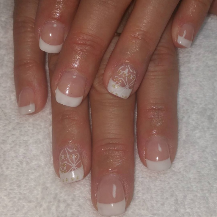 French Tip Swirl Nails