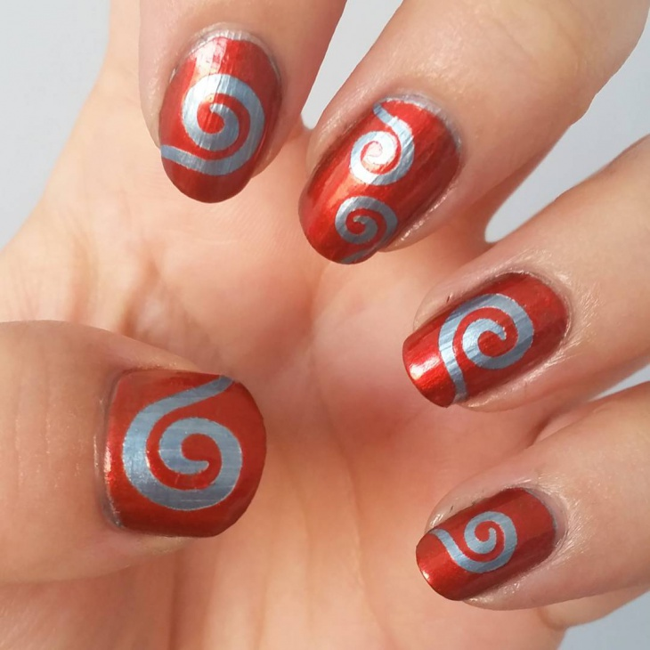 Simple Swirl Nail Art