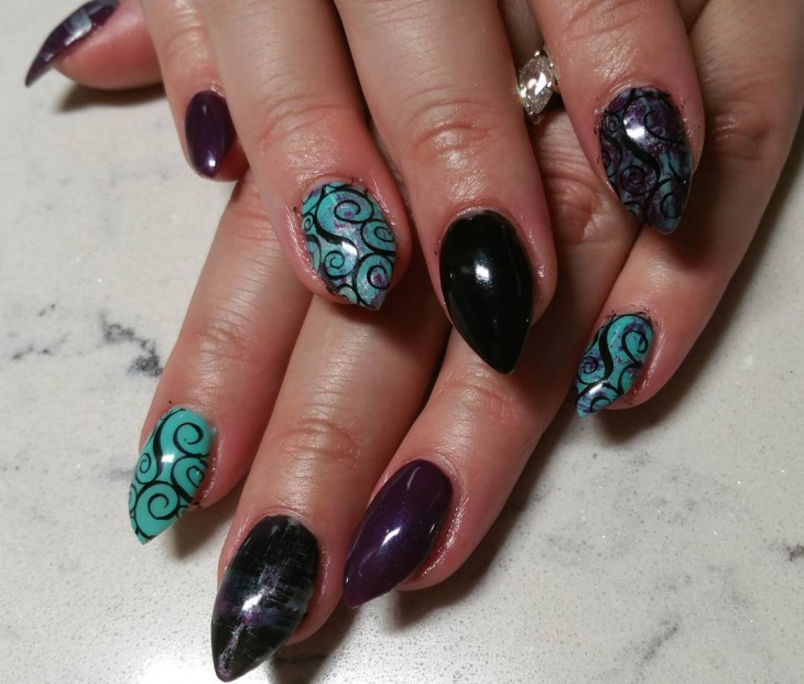 elegant swirl nail art