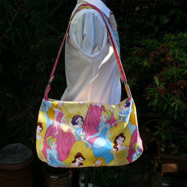 pretty disney handbag design