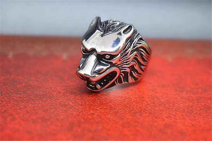 Mens Wolf Ring