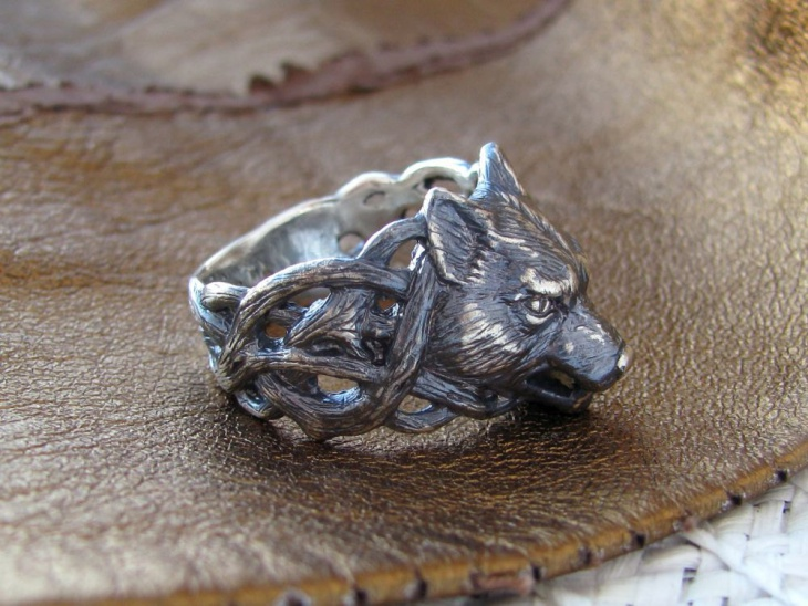 Silver Wolf Ring