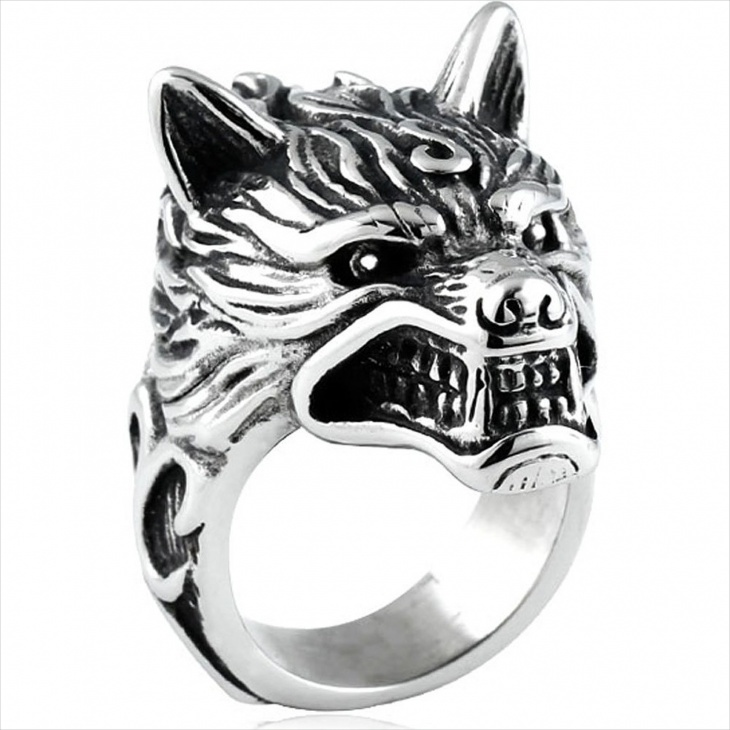 Biker Wolf Head Knight Ring