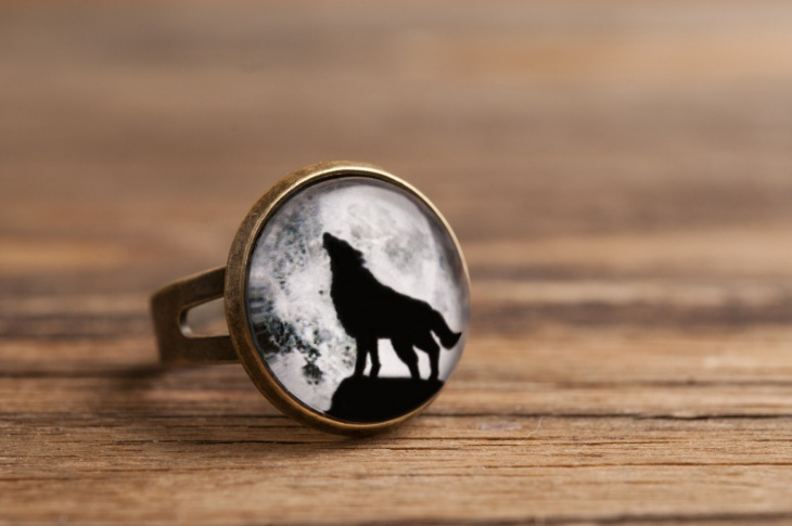 Statement Wolf Ring
