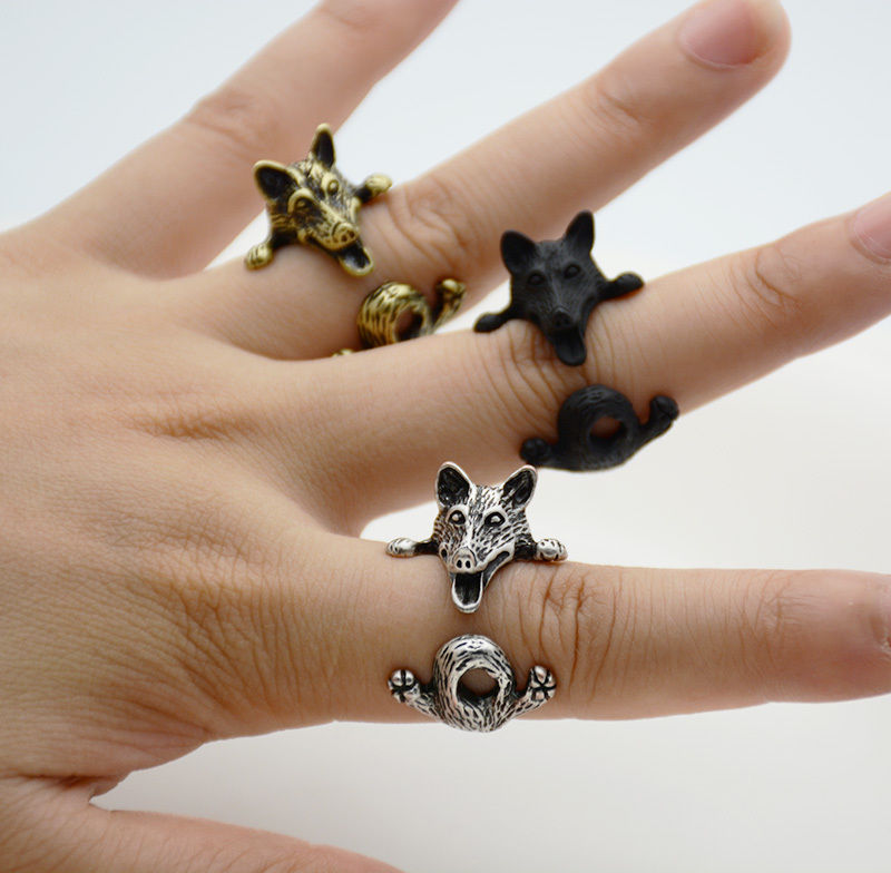 Cute Silver Black Wolf Ring