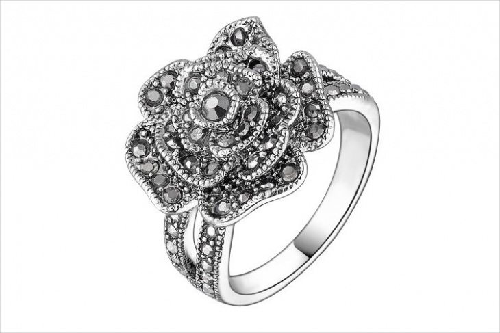rose shape marcasite ring