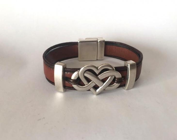 Infinite Heart Bracelet Design