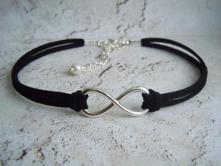 Infinite Choker Necklace Idea