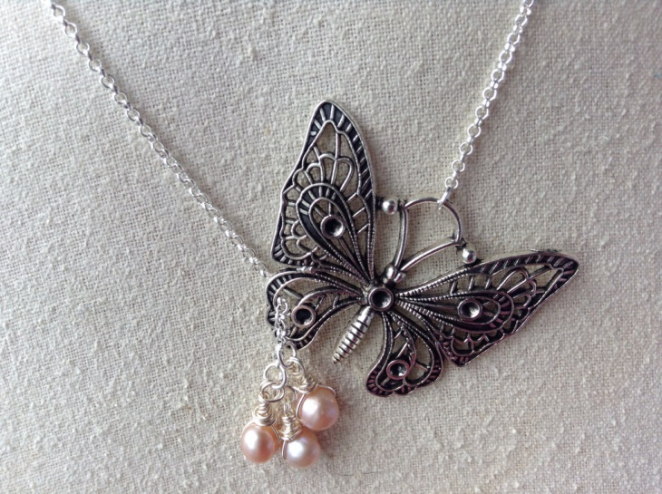 Pretty Butterfly Necklace with Pearl Drop
