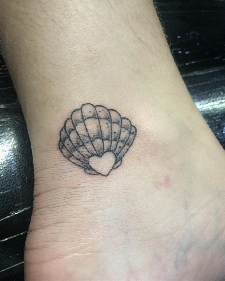 shell ankle tattoo idea