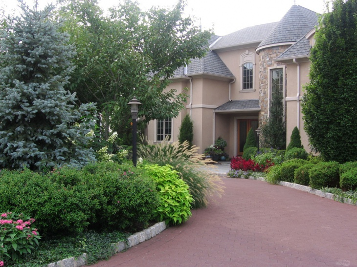 large front yard landscape design