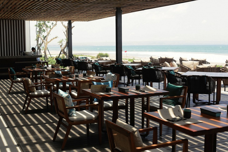 11 restaurant terrace