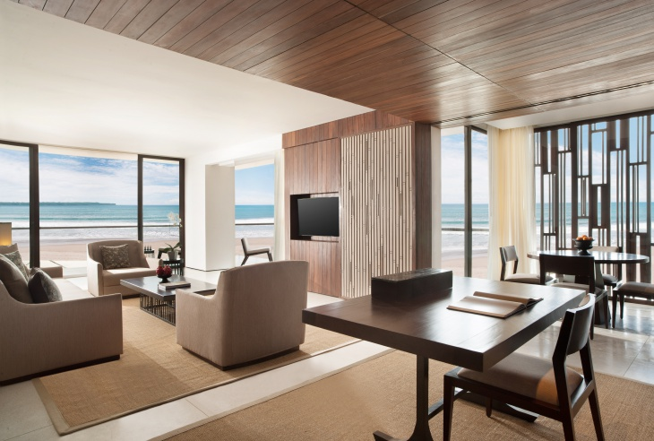 23 Beach Suite Living Room