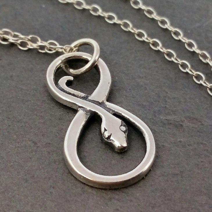 Snake Pendant Necklace Idea