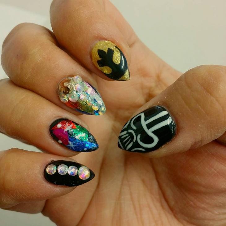 pointy star wars nail design