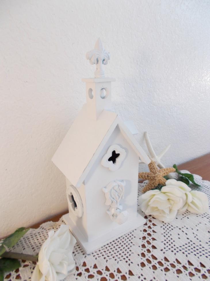 farmhouse rustic birdhouse