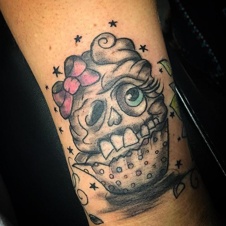 skull cupcake tattoo design