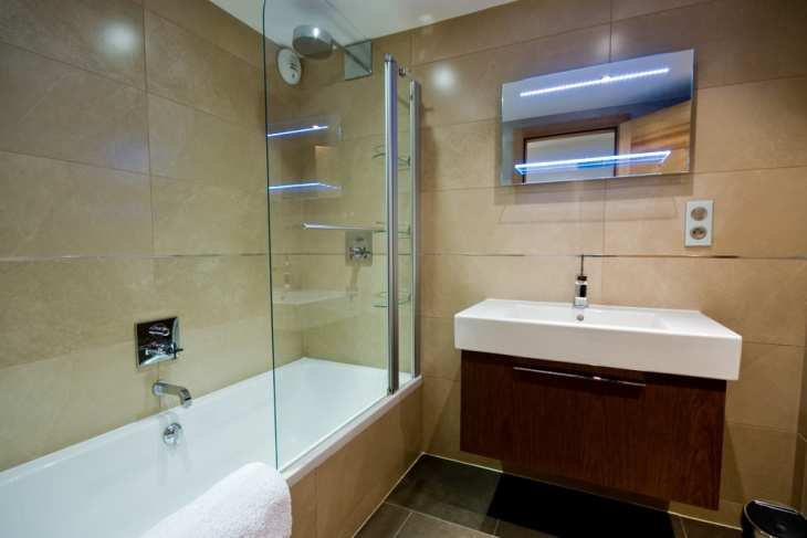chalet helena bathroom