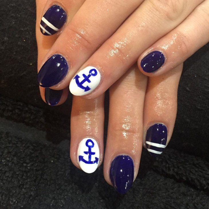 navy anchor nail art idea