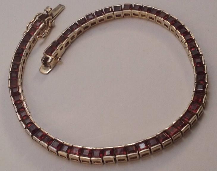 vintage garnet bracelet design