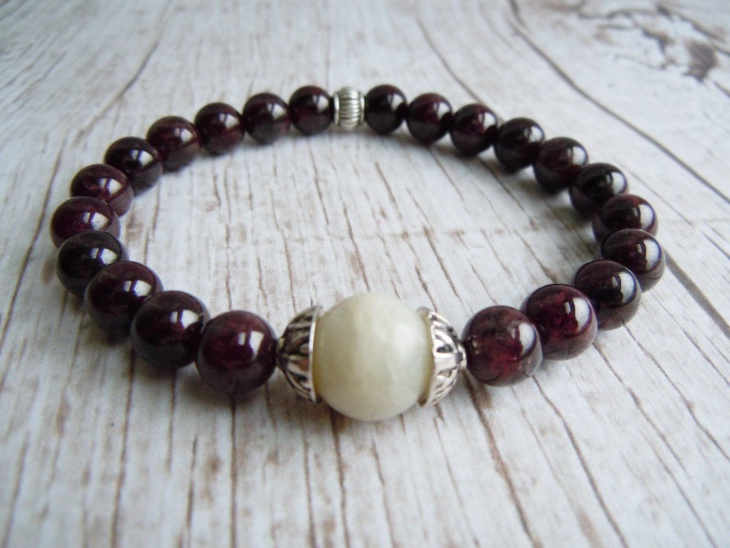 garnet birthstone bracelet