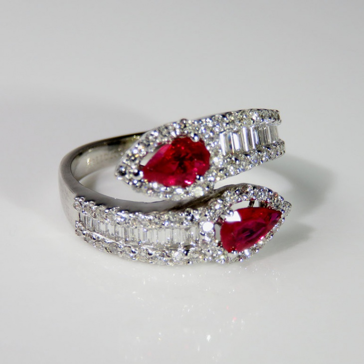 ruby snake ring design