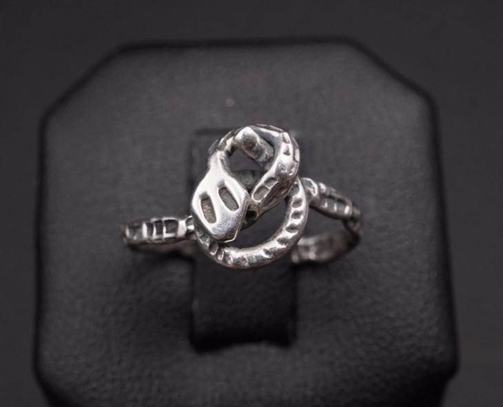 snake knot ring