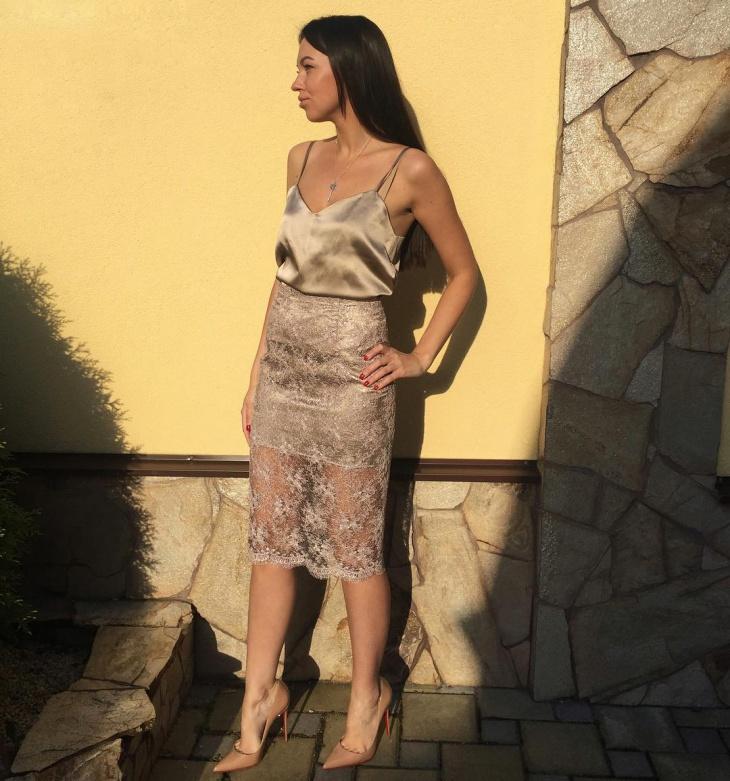 lace sheath skirt design