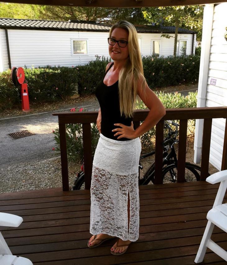 white sheath skirt