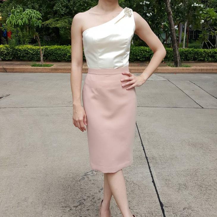 classic sheath skirt