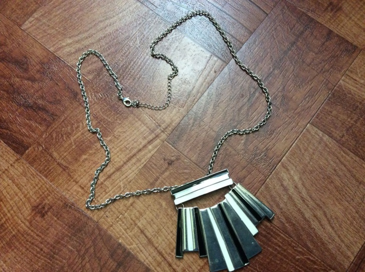 geometric black necklace