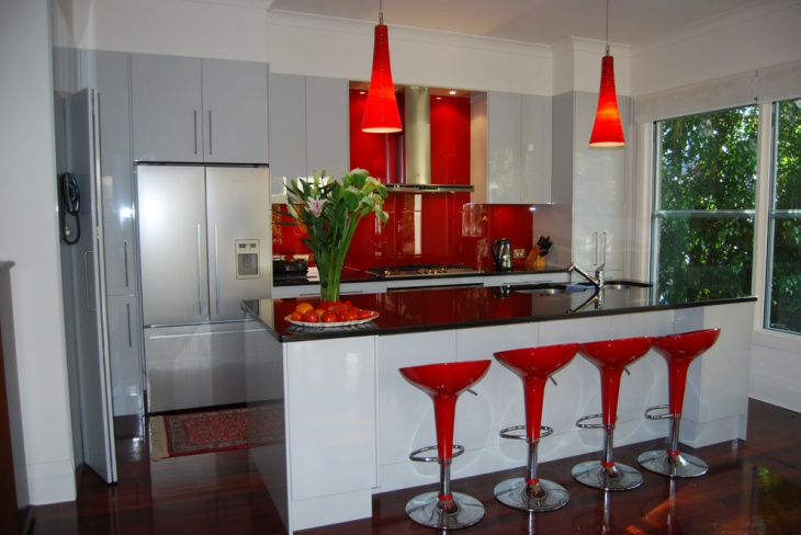 red kitchen countertops idea
