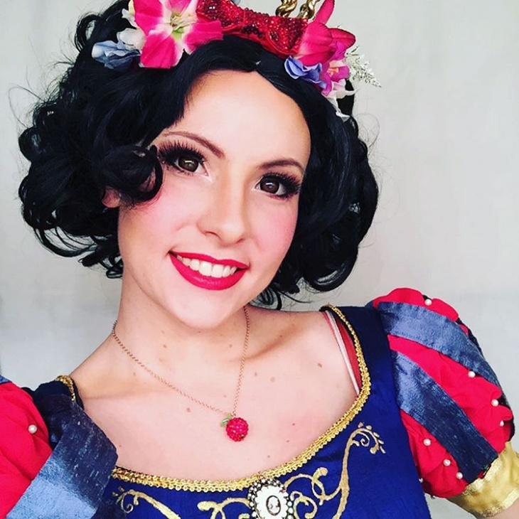 Snow White Eyes and Hair Makeup