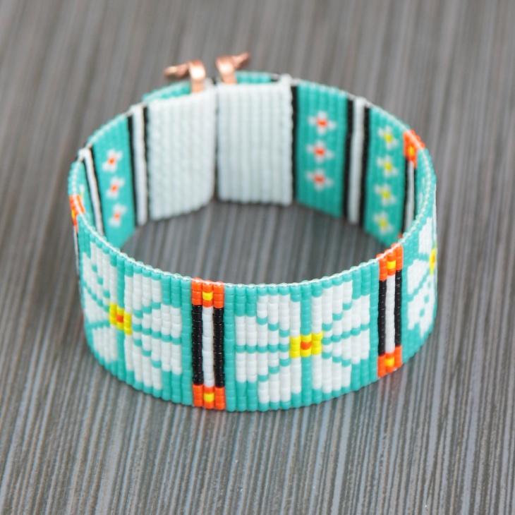 Daisy Loom Bracelet