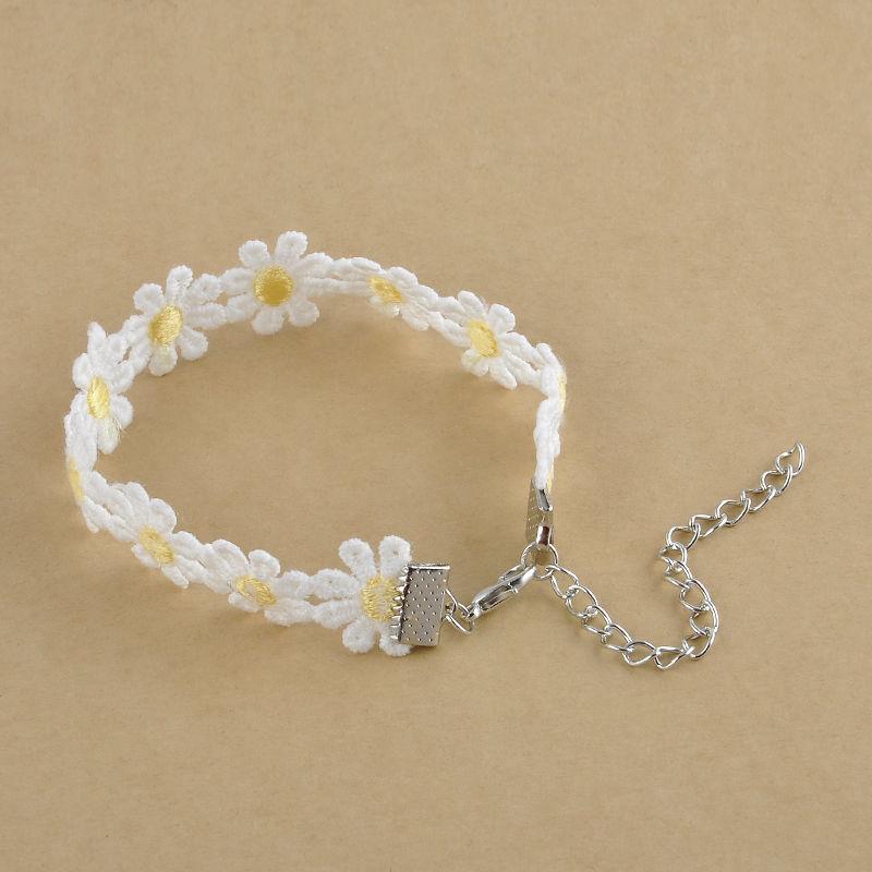 white daisy flower bracelet