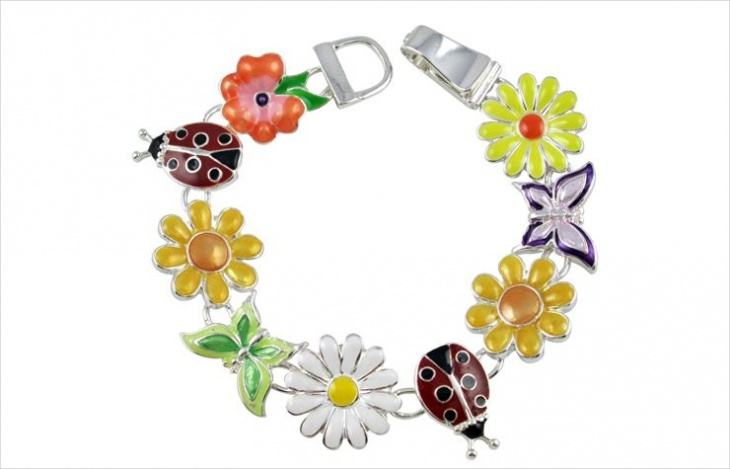 beautiful daisy bracelet design