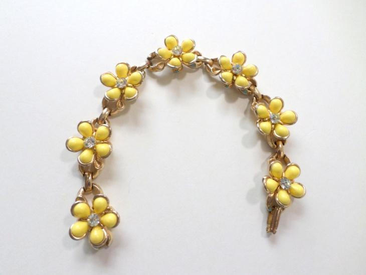 Yellow Daisy Flower Bracelet
