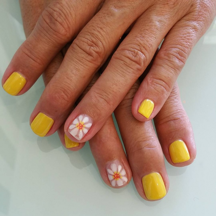 simple daisy nail design