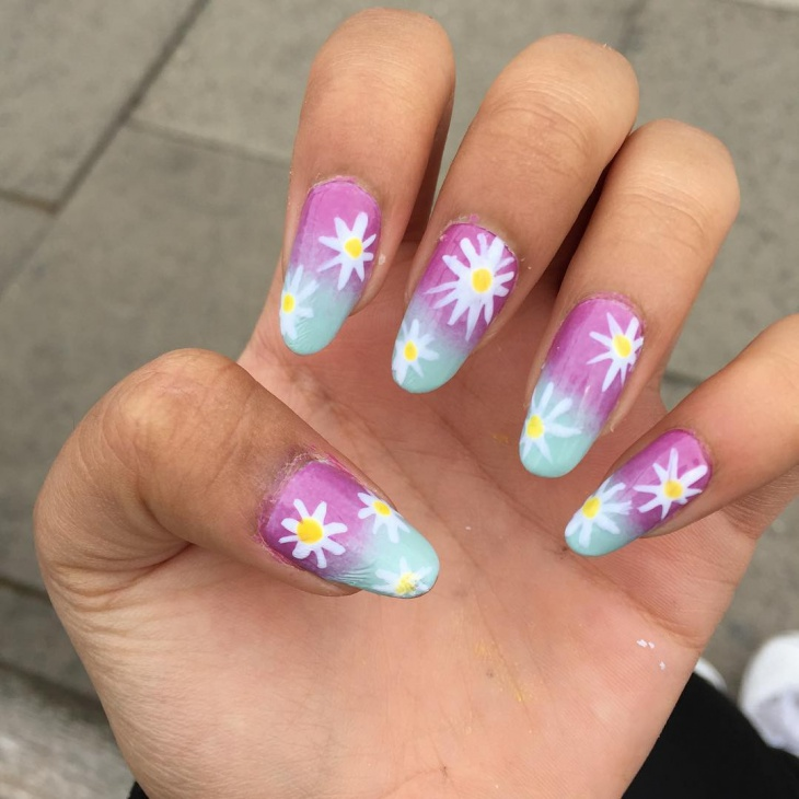 awesome daisy nail design