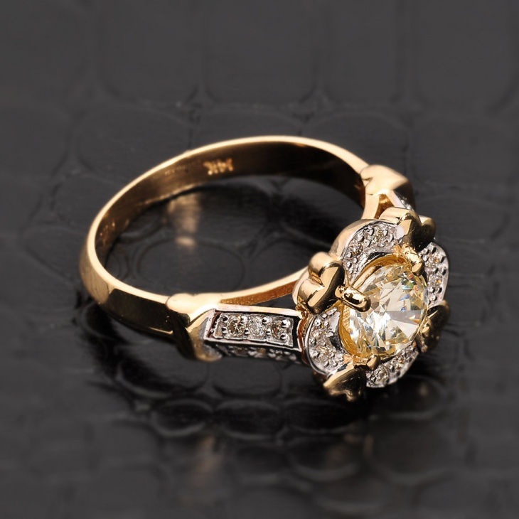 gold antique citrine ring