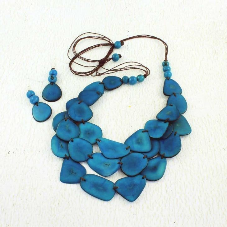 eco friendly bib necklace