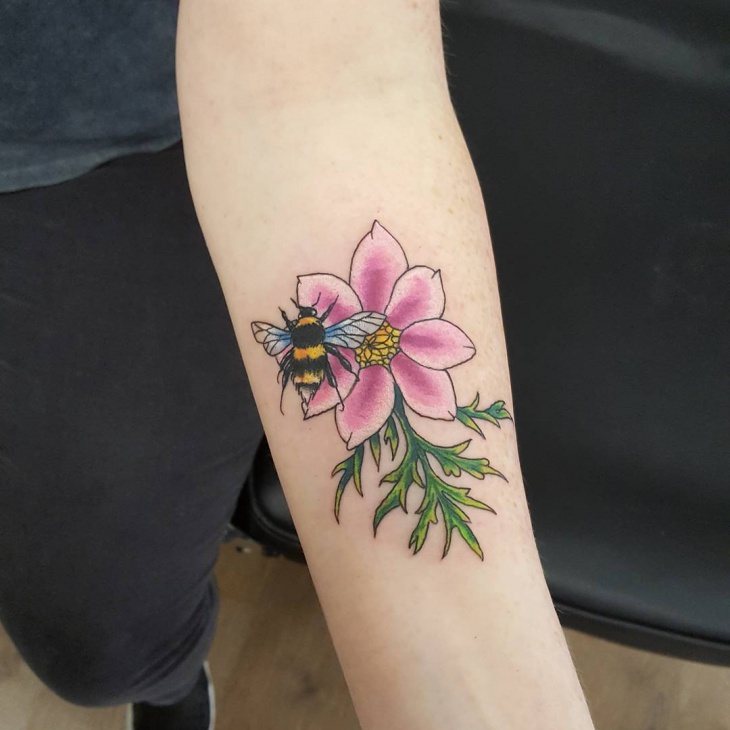 flower bumble bee tattoo design