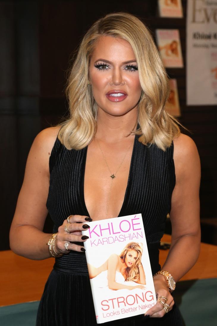 khloe kardashian wavy hairstyle