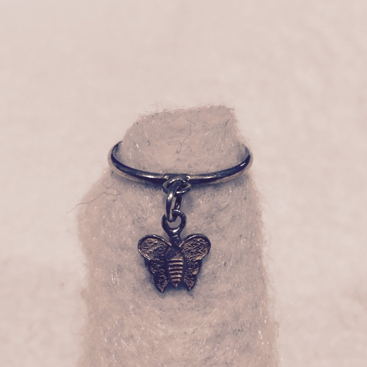 dangle butterfly ring